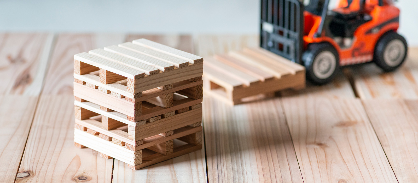 Wooden pallet free pick up